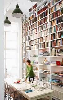 bookshelves+floor+to+ceiling